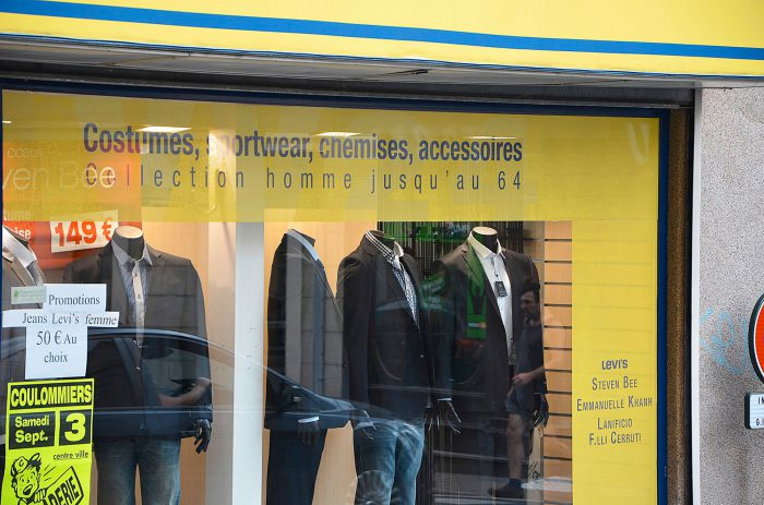 Marquage magasin VV24 Coulommiers vitrine