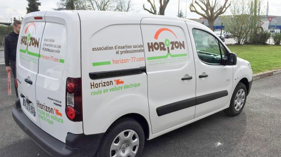 Marquage véhicule électrique flanc droit + arrière pour l'association Horizon