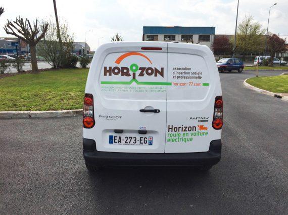 Marquage véhicule électrique de l'association Horizon arrière