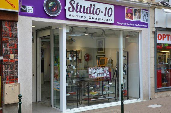 Création et réalisation de l'enseigne du magasin Studio 10 à Coulommiers