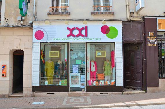 Création et pose de l'enseigne pour la boutique XXL à Coulommiers