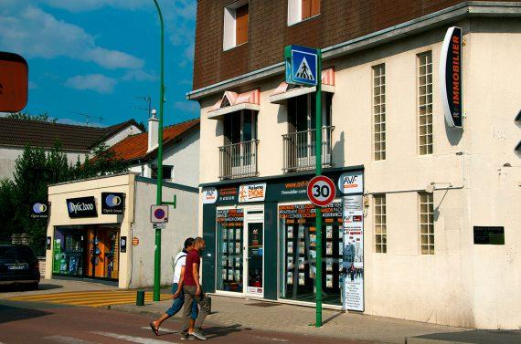 Création et pose d'une enseigne pour la Franchise d'Histoire d'Home à Ozoir-la-Ferrière