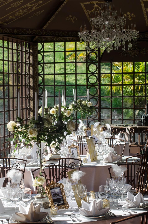 Tables de réception du mariage préparées par France Prestige Services