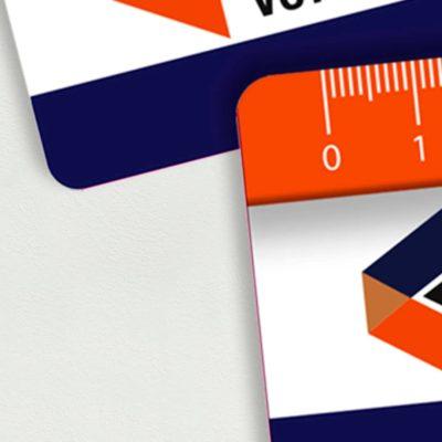 Gros plan des bords arrondis de la règle PVC
