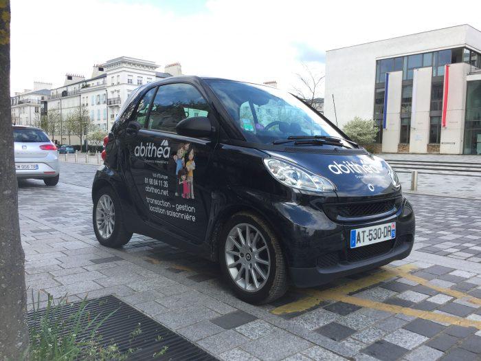 Marquage publicitaire de la Smart de abithéa Val d'Europe