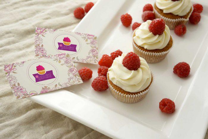 Cartes de visite personnalisées avec le logo Cupcakes'Gourmand de la pâtissière Johana Lemeunier