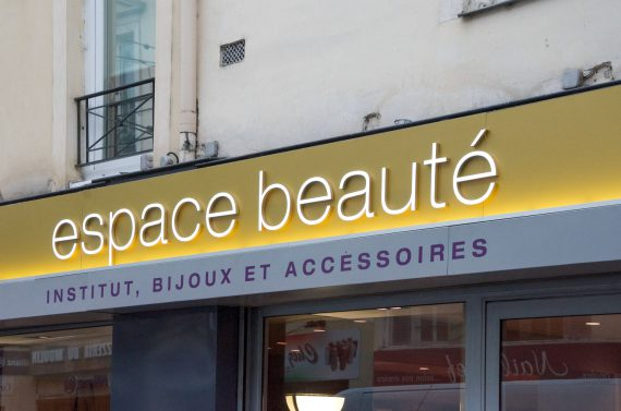Enseigne Espace Beauté à Coulommiers
